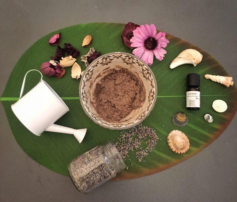 Thelazytrotter, scrub naturale, avena, olio di cocco, miele, scrub naturale per il corpo