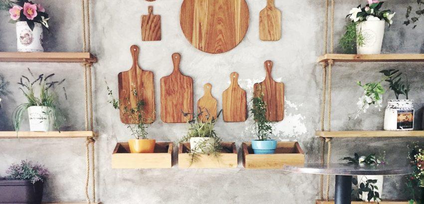 Ristoranti a Tirana: 10 indirizzi dove mangiare bene e sbronzarsi meglio