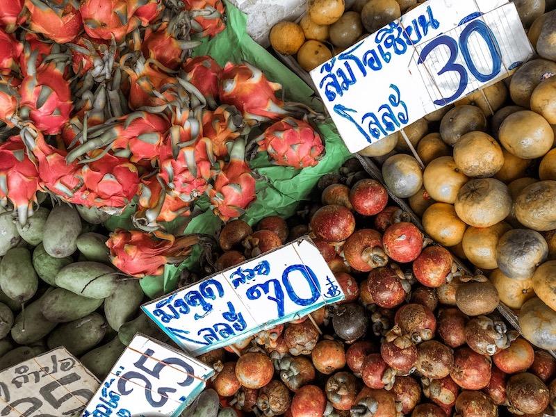 cosa mangiare in thailandia, pad thai, cibo thailandese, dragon fruit