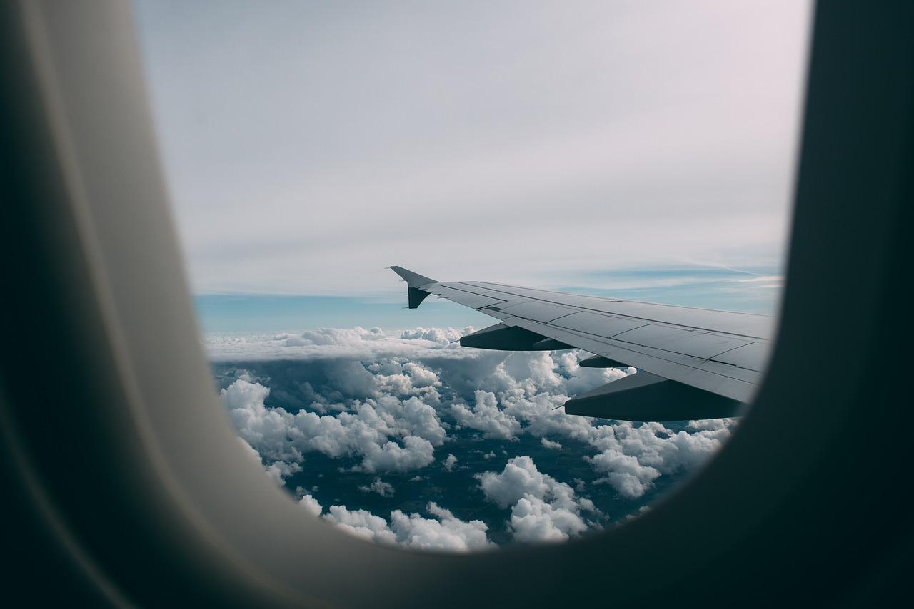 paura di volare, attacchi di panico in aereo cosa fare, come superare paura aereo