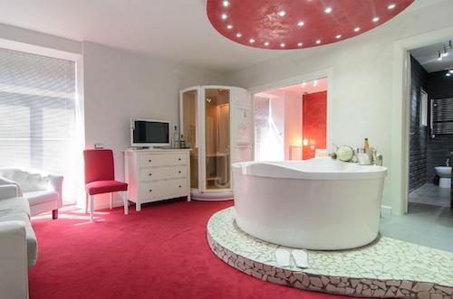sexy hotel, hotel con camere a tema, hotel particolari per coppie