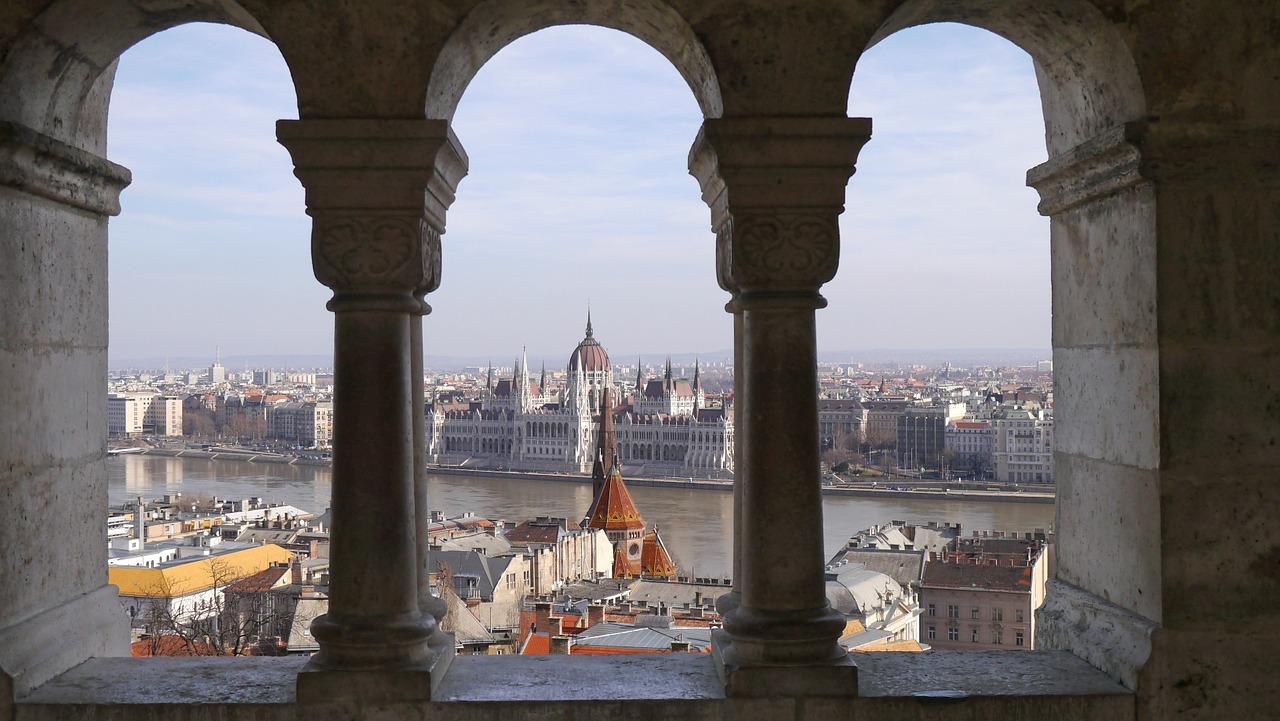 parlamento budapest, cosa vedere a budapest, cosa fare a budapest, cosa visitare a budapest,