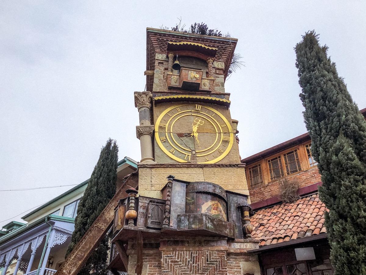 viaggio-in-georgia-tbilisi-cosa-vedere-cosa-vedere-in-georgia-torre-orologio