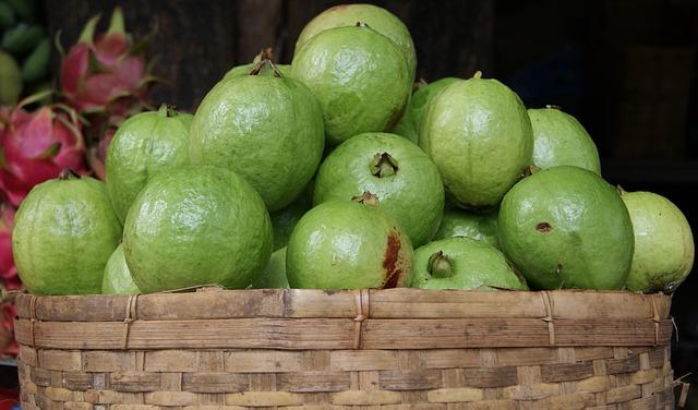 frutti-esotici-frutta-esotica-frutta-strana-guava