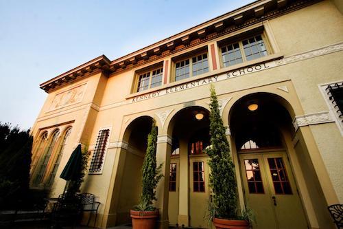 kennedyschool-hotel-a-tema