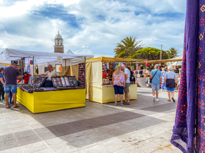 Teguise-sunday-market-mercato