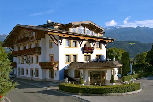 gartenhotel-maria-theresia-hotel-hall-in-tirolo