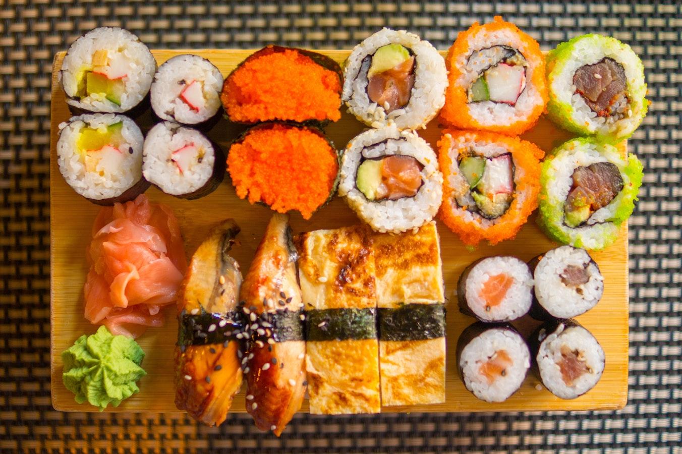 sushi-tokyo-mangiare-street-food